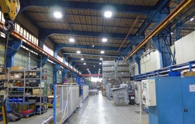 Referenzbild Presswerk Zwickau LED Hallenbeleuchtung Tower LOGIC Glas